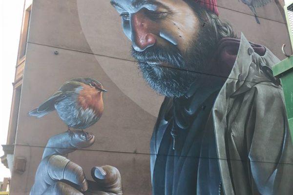 Sam Bates l'artista urbà arrelat a Glasgow